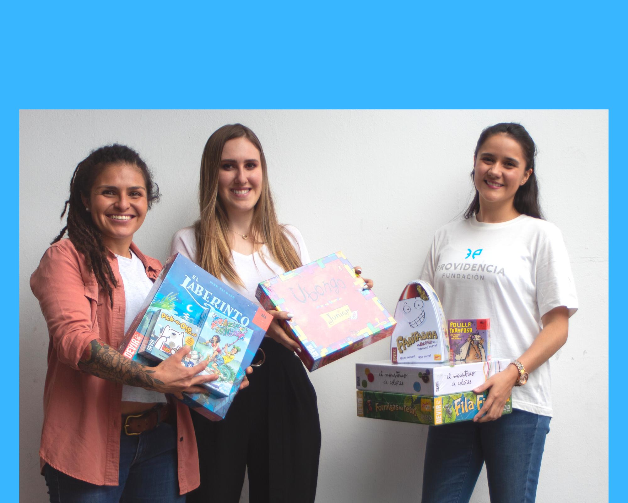 76 niñas, niños y jóvenes de 4 instituciones fueron sorprendidos con juguetes en el día del niño 2021.